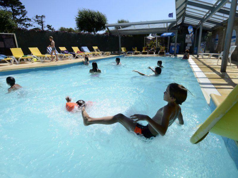 Activit s sports et loisirs au camping de la baie plage for Camping embrun avec piscine 4 etoiles
