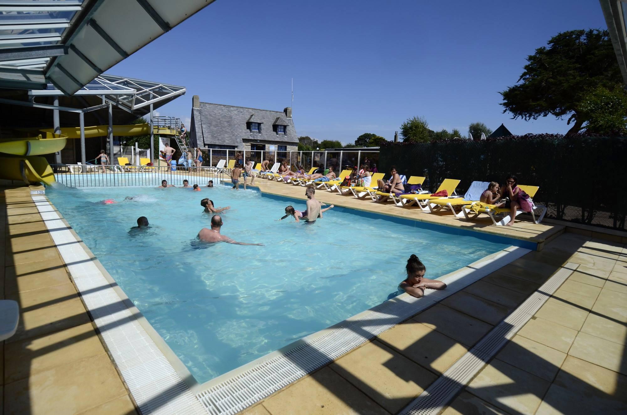 Camping 4 toiles face la mer piscine chauff e entre for Piscine chauffee